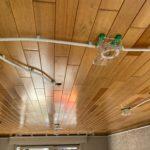 Spanplafond installatie in eetkamer #Tension #Essentials #Renovatie #Spanplafond #LED-spots