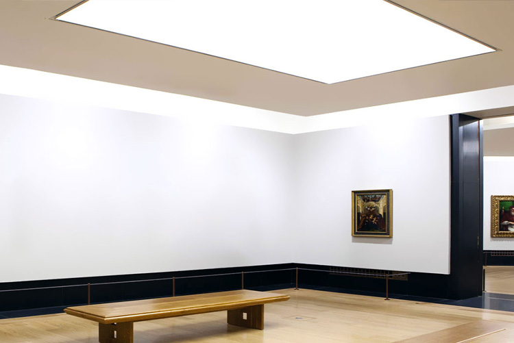 spanplafond en spanwand lumina strak LED verlichting in gallerij ruimte