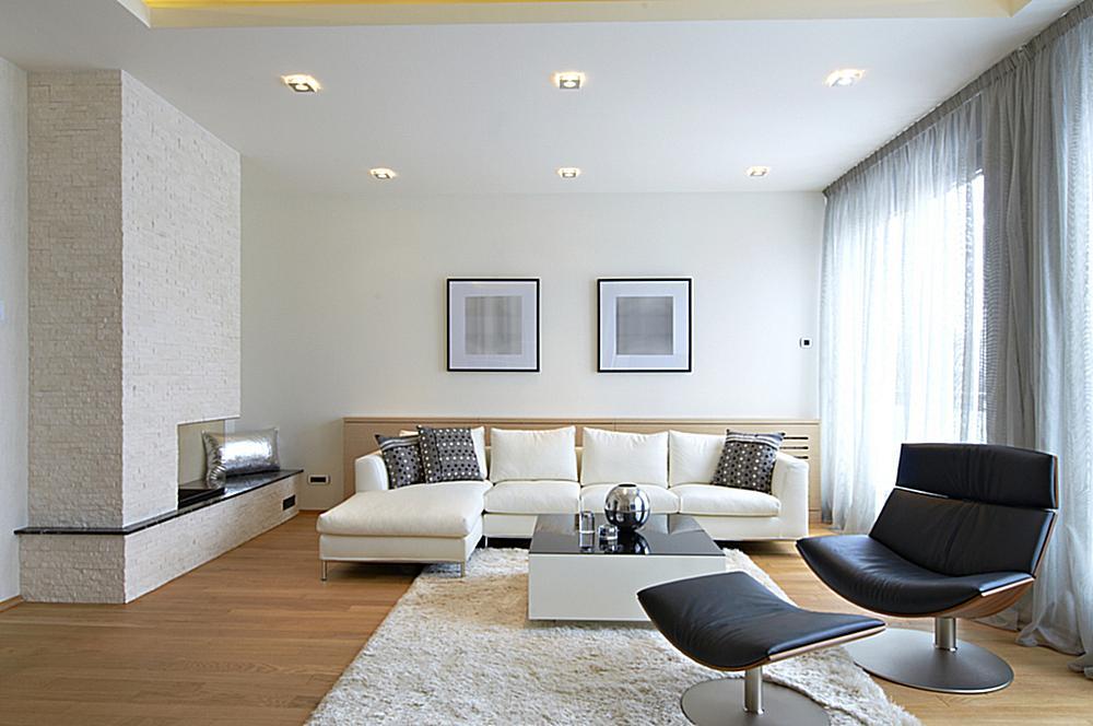 spanplafond in een woning met ingebouw LED spot verlichting