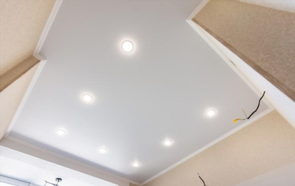 spanplafond met inbouw spots