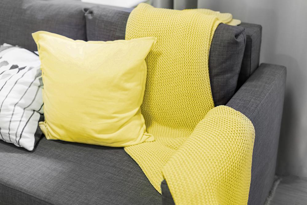 Pantone color of the year 202. Interieur trend. Geel en grijs interieur. Interieur trend van het jaar.