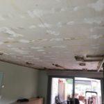 Keuken renovatie voor en na spanplafond
