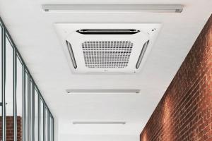 spanplafond met integratie aircosysteem