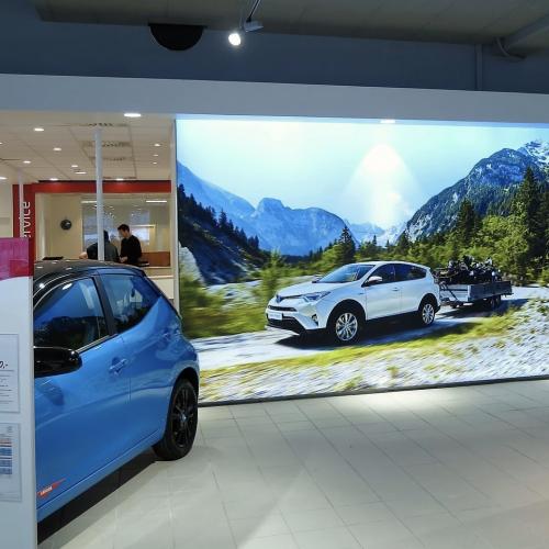 autoshowroom lumina design spanplafond