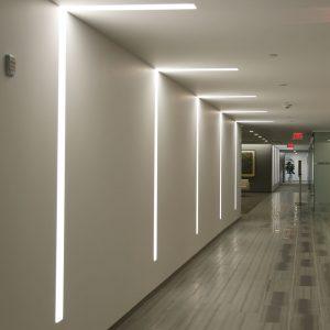 luchthaven hal met spanplafond en spanwand lichtdoorlatend lumina