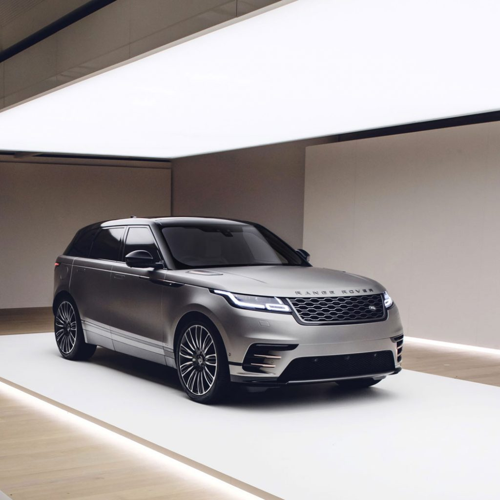 lumina autoshowroom range rover lichtplafond spanplafond