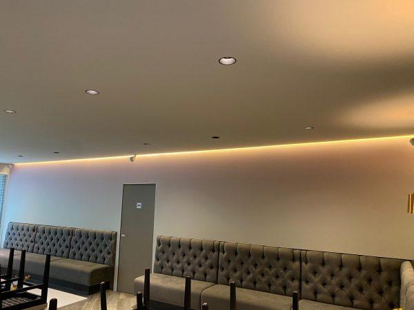 plafond met verlichting led