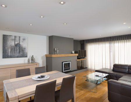 spanplafond en spanwand tensio essentials in een woonkamer
