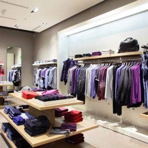 spanplafond in een kledingzaak