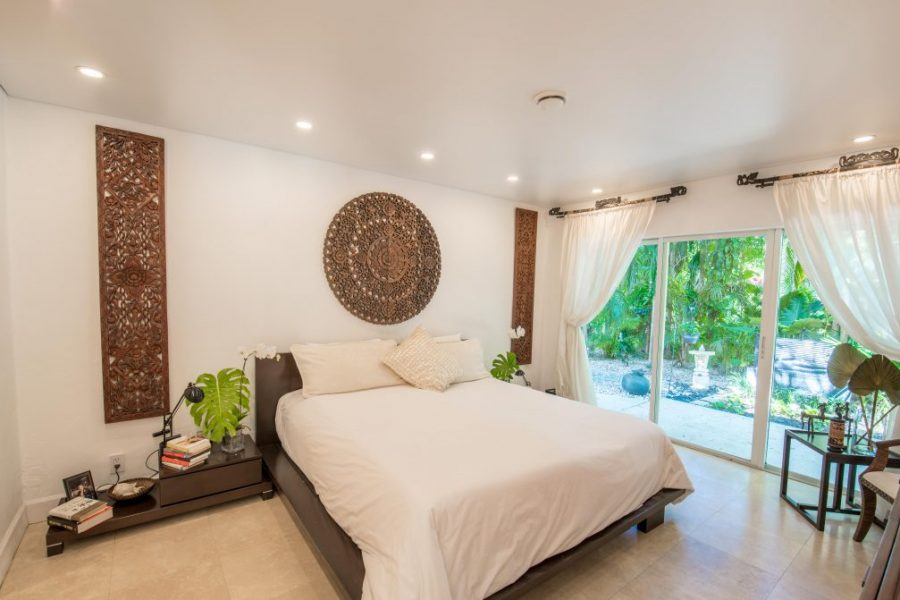 spanplafond spanwand lumina in een trendy en moderne hotelkamer