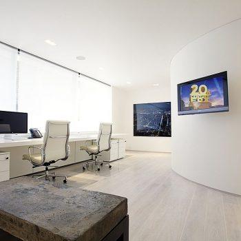 Architecten spanplafonds tension essentials standaard spanplafond wit in een moderne kantoor ruimte spanplafond prijs